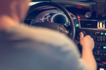 Петербург попал вчисло регионов снаибольшей доступностью новых машин