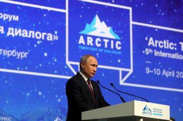 Путин обсудит сБегловым развитие Петербурга