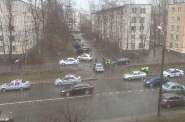 ДПС устроила погоню сострельбой наюго-западе Петербурга