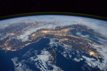 Рогозин: выдающиеся россияне смогут бесплатно отправиться вкосмос