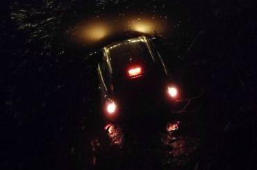 Автомобиль вылетел смоста вреку Оккервиль