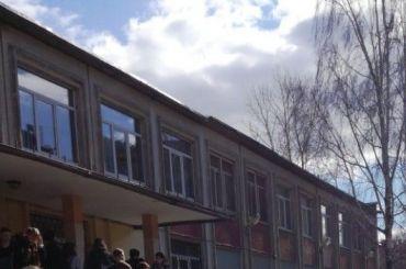 Эвакуированы четыре школы Петербурга