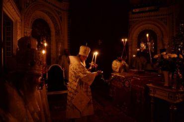 Благодатный огонь сошел вхраме Гроба Господня