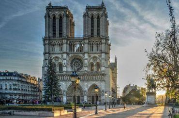 Власти Франции организуют конкурс для восстановления шпиля Нотр-Дама