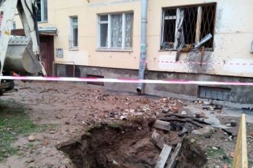 Женщина погибла из-за прорыва трубы скипятком на2-й Комсомольской