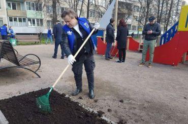 Почти 250 тысяч петербуржцев участвовали вобщегородском субботнике