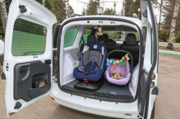 ФСИН представила автозаки для инвалидов иматерей сдетьми