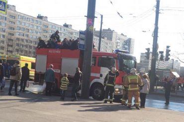 Изавтобуса наулице Димитрова спасли 16 человек