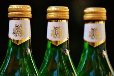 Минкульт попросил вернуть алкоголь вовсе учреждения культуры