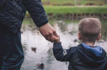 Депутаты предложили отмечать вПетербурге День отца