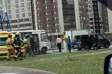 Три человека пострадали вДТП наДунайском проспекте