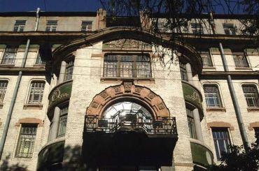 Смольный ждет туристов на«закрытых» объектах культурного наследия