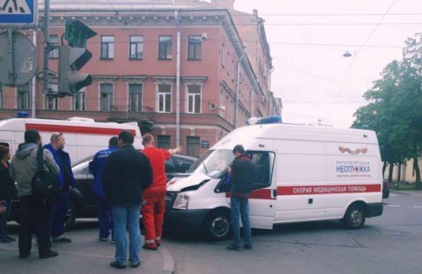 Фельдшер скорой помощи пострадала ваварии синомаркой