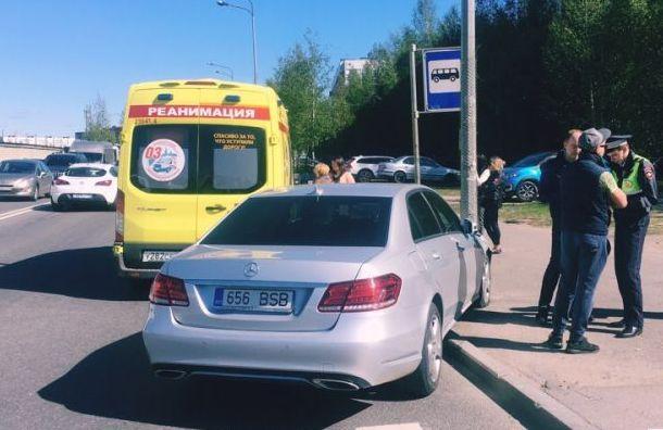 Иномарка сэстонскими номерами сбила ребенка вПриморском районе