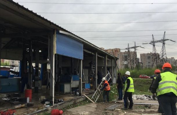Незаконный автосервис разобрали воФрунзенском районе