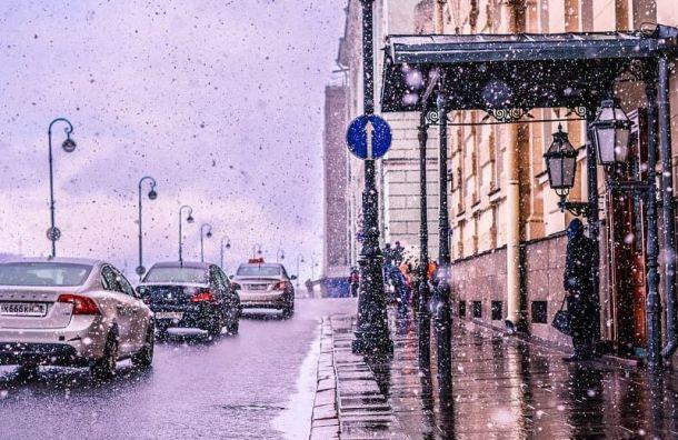 Петербуржцы делятся всоцсетях фотографиями майского снега
