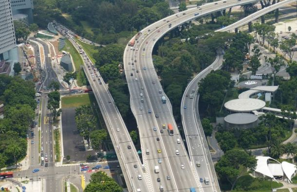 Петербург позаимствует уСингапура идеи развития транспортной системы