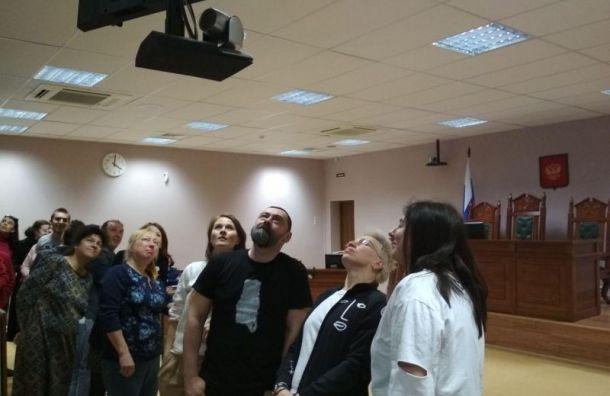 Суд оставил под арестом директора БТК