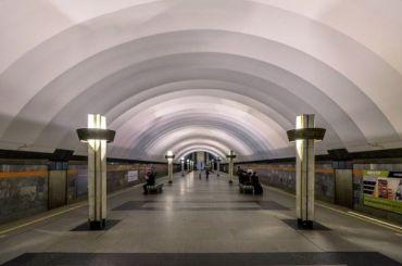 Наэскалаторе станции «Ладожская» умер пассажир