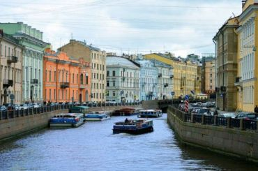 Туристический Петербург поставил налакшери-китайцев