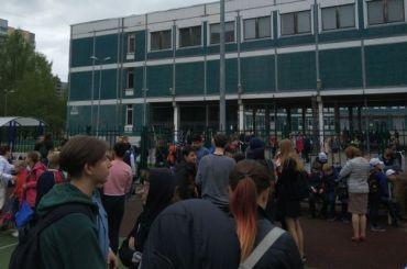 Лжеминирования как обыденность: вПетербурге снова эвакуируют школы