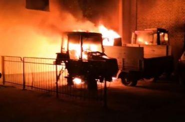 УАЗ итрактор сгорели вКовенском переулке