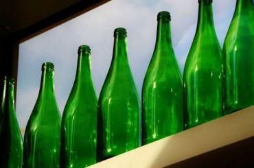 Правительство может вернуть прием стеклянных бутылок вмагазины