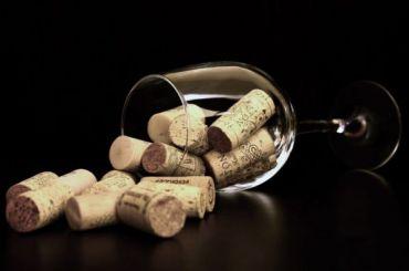 ВЦИОМ: Число выпивающих россиян увеличилось до 67%