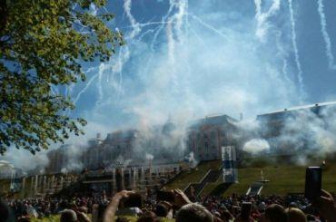 ВПетергофе проходит весенний праздник фонтанов