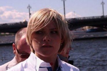 Жена Резника возмутилась жестким досмотром вПулкове
