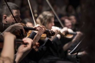 Петербуржцев зовут танцевать под музыку живого оркестра