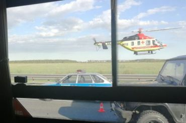 Вертолет забрал пострадавших после ДТП наюге КАД