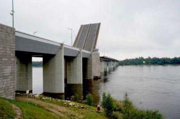 Ладожский мост разведут позже намеченного срока