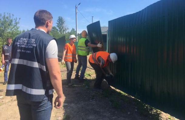 ККИ снес незаконные заборы на Выборгском шоссе