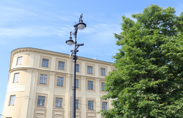 НаТеатральную площадь вернется историческое освещение