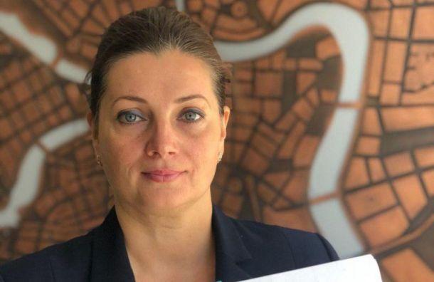 Надежда Тихонова подала вГоризбирком подписи муниципальных депутатов