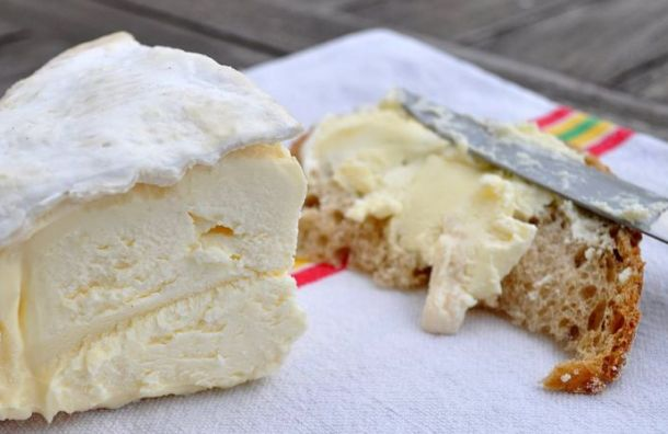 Петербургский магазин наказали штрафом за«неопознанный» сыр