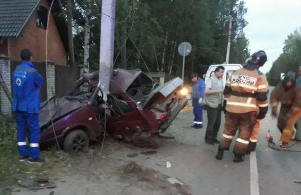 Водитель ВАЗа погиб после столкновения сToyota наКолтушском шоссе