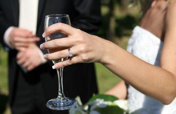 Минфин хочет с2020 года разрешить продавать алкоголь через Интернет