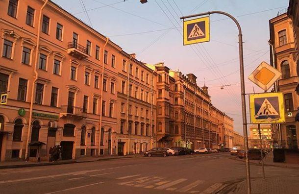 Ремонт улицы Жуковского начался вПетербурге