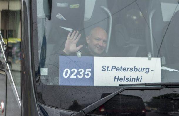 Дополнительные автобусы изПетербурга отправятся вХельсинки иТаллин