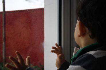 Ребенок вПетербурге провел три дня взаперти смертвым отцом