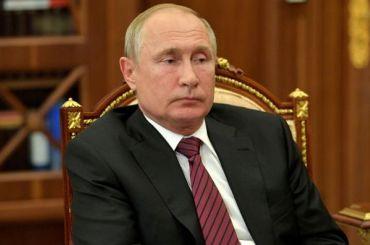 Путин поручил ввести с2021 года электронные визы для иностранцев