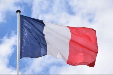 Премьер Франции: санкции против России могут снять влюбой момент