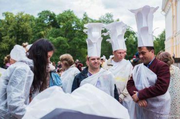 Художники создали фантастические костюмы вМихайловском саду