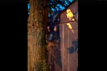 Водителя после ДТП наКараваевской нашли накрыше гаража