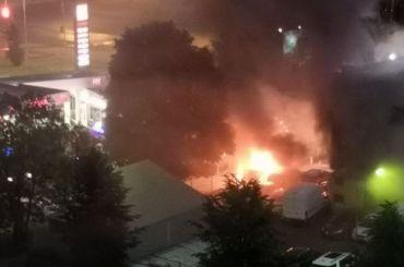 Автосалон Ford загорелся вВыборгском районе