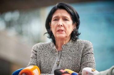 Президент Грузии обвинила Россию в организации протестов