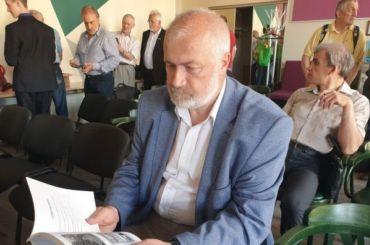 Михаил Амосов принес подписи вГоризбирком