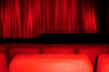 Кинотеатр вПетербурге оштрафовали занедоступность для инвалидов